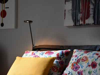 Suggestive lighting and colored cushions