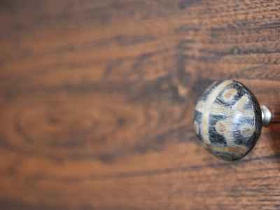 Drawer knob detail